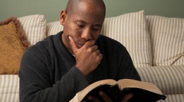 Copywriting Q&A: 4 Books All Job-Seekers Should Read