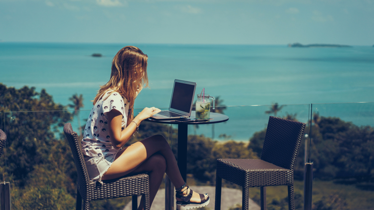 tips for digital nomad copywriters